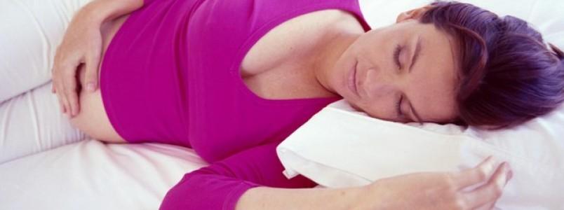 Dúvidas da futura mamãe: por que as mulheres sentem azia na gravidez?