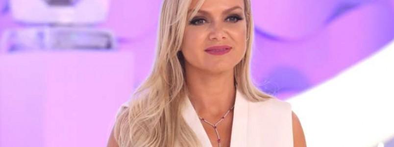Eliana fica no Brasil e diz que não deixará os domingos do SBT