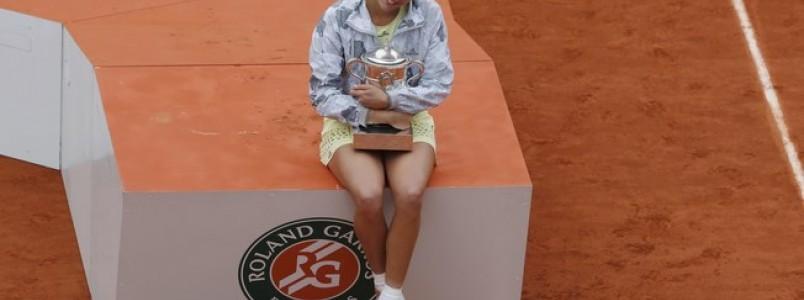 Muguruza bate Serena, conquista Roland Garros e vence 1º Grand Slam da carreira