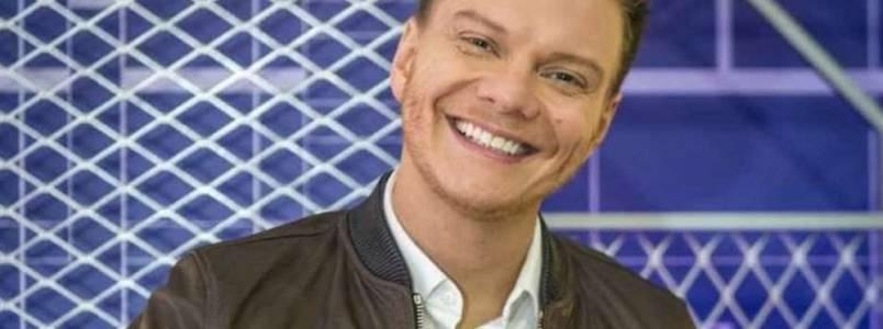 Conheça 7 sintomas de refluxo, doença sofrida pelo cantor Michel Teló