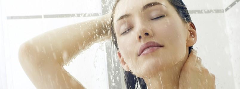 Tomar banho frio realmente faz bem para a saúde?