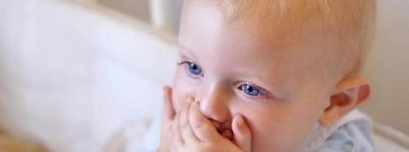 3 Doenças graves que podem ser transmitidas pelo beijo para o seu filho