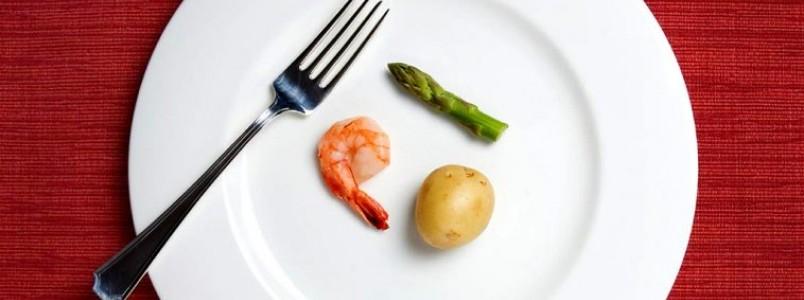 Comer menos pode nos ajudar a envelhecer mais devagar, diz pesquisa