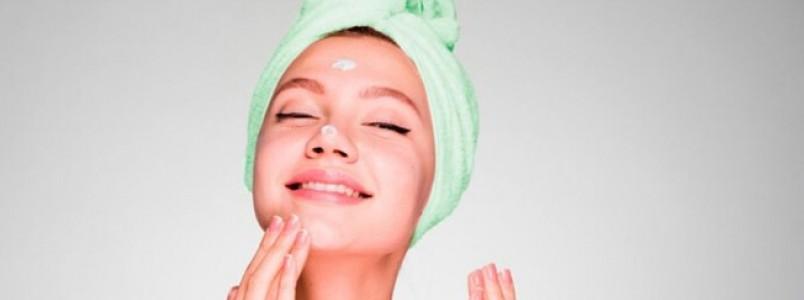 Exageros na rotina de beleza: o que não fazer ao cuidar da pele e do cabelo