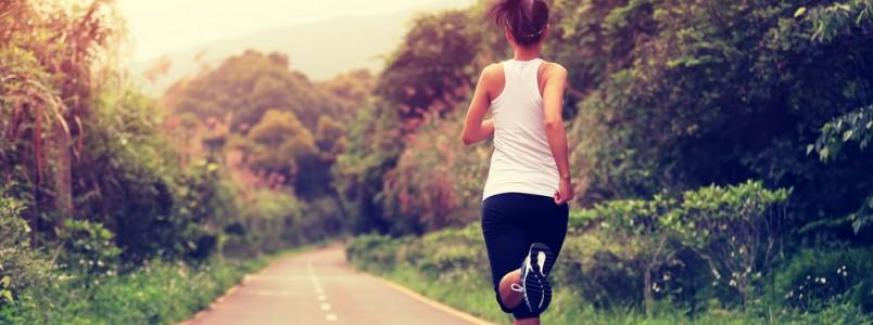 Correr na rua ou na esteira? Conheça os prós e contras de cada atividade