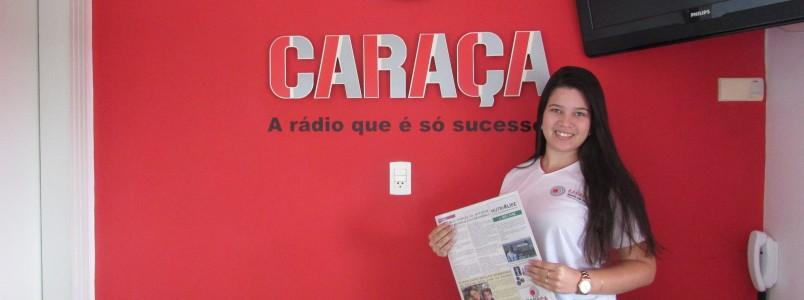Rádio Caraça, 90,5, recebe sua primeira edição do jornal Saúde & Estilo