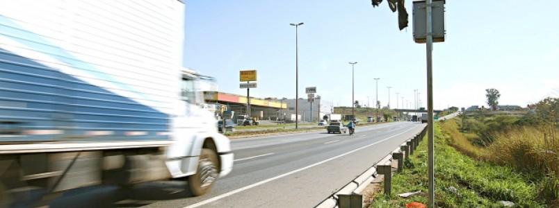 Multas aplicadas por radares com erro no Anel Rodoviário estão canceladas