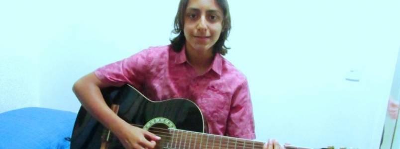 Ryan Valadares. Estudante itabirano conta sonho de ser artista