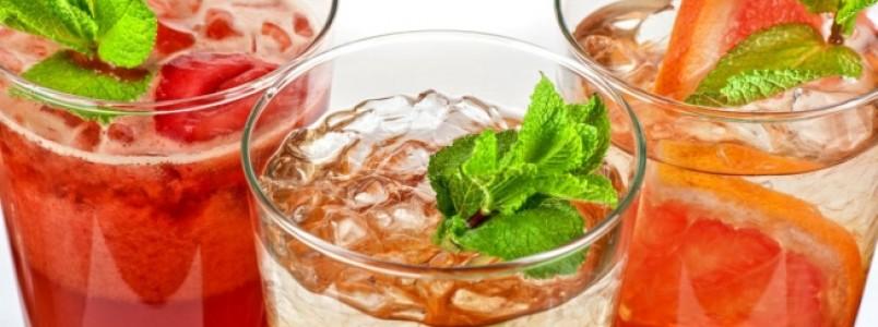 4 chás contra inchaço e retenção de líquidos para quem abusou no Carnaval