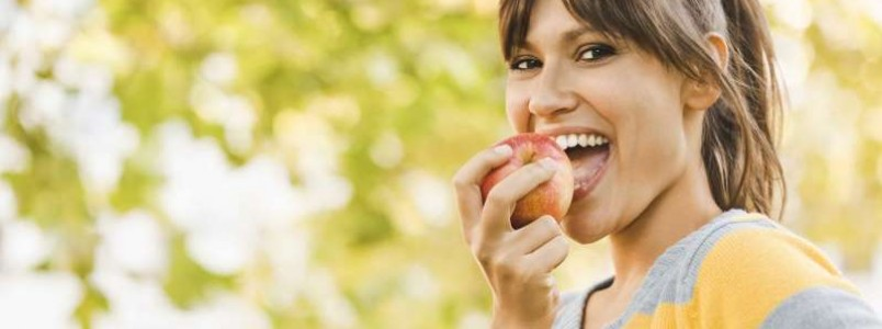 Consumida antes de refeição, fruta ajuda a