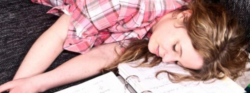 Dormir demais no final de semana pode fazer mal à saúde