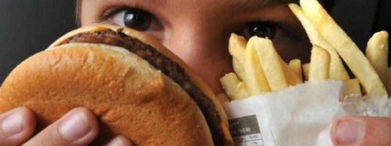 Saúde lança campanha para prevenir a obesidade infantil