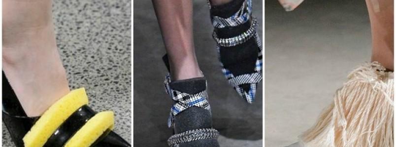 Christopher Kane faz sapatos com esponja e esfregão em Londres