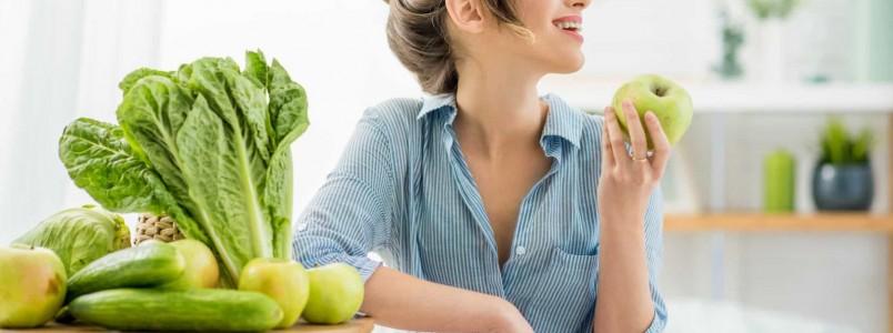10 alimentos que podem fazer bem para a saúde bucal; confira