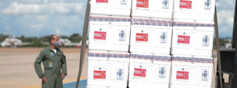Minas espera receber, em 7 dias, mais 800 mil doses de vacinas, entre Janssen, AstraZeneca e Pfizer