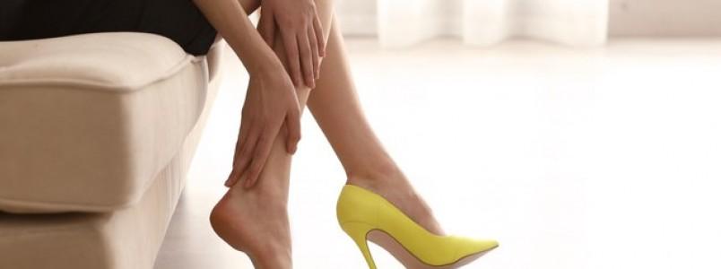 Dá para manter a elegância sem usar sapatos de salto alto? Especialista dá dicas
