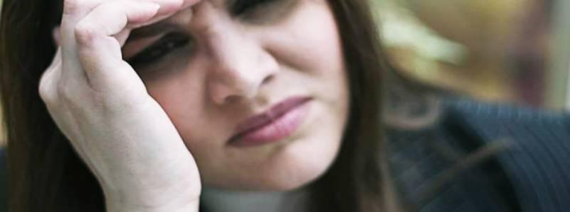 Seios doloridos: saiba como cuidar e evitar esse desconforto pré-menstrual
