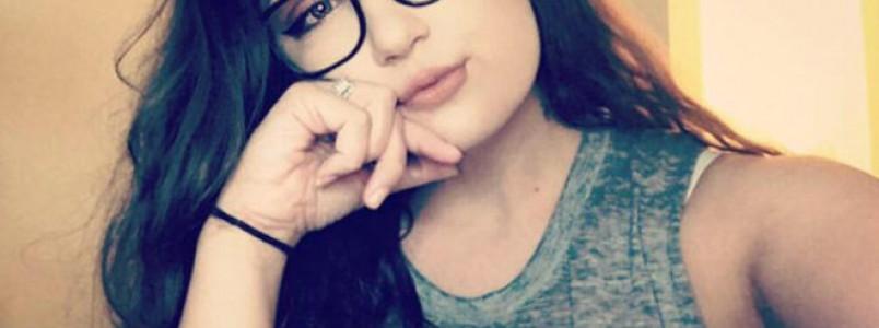 """Garota é expulsa da piscina do próprio condomínio por causa de maiô """"provocante demais"""""""