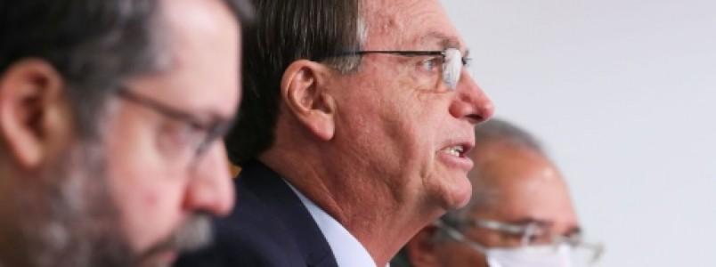 Governo é favorável à importação privada de vacinas contra a Covid-19, reforça Bolsonaro