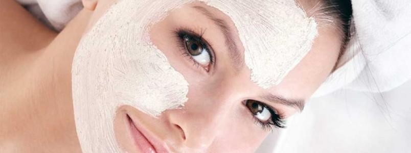 Argila branca - benefícios para a pele, como usar e onde encontrar