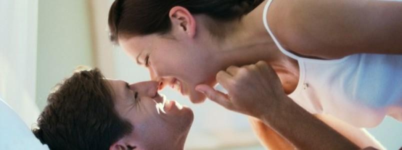 Ria e se apaixone: estudo explica a importância do humor para a atração