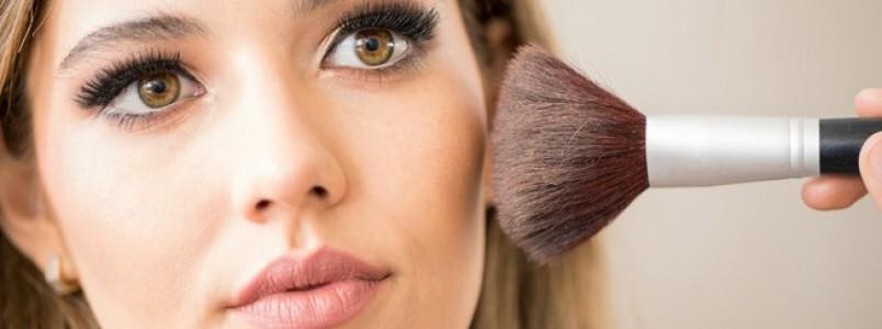 Quer fazer a própria maquiagem em casa? Veja dicas de especialista
