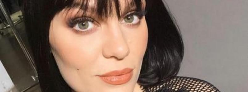 Cantora Jessie J acorda sem audição e descobre síndrome rara