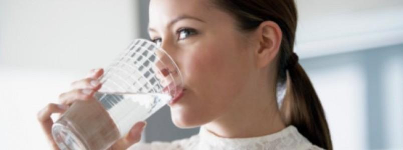 Molhe a boca: a saliva protege contra doenças e facilita a alimentação