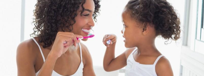 Conheça 10 curiosidades sobre dentes de crianças e de adultos