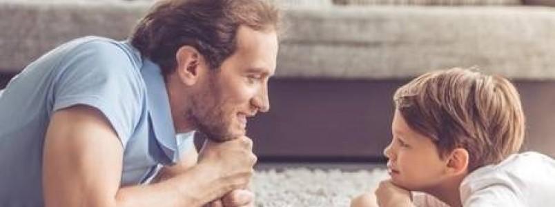 Conversa é fundamental para desenvolver a linguagem do seu filho